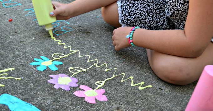 easy-diy-puffy-sidewalk-paint