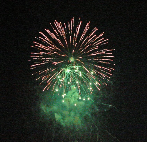 4th of Juy Fireworks in Foster City, CA - © LoveToEatAndTravel.com