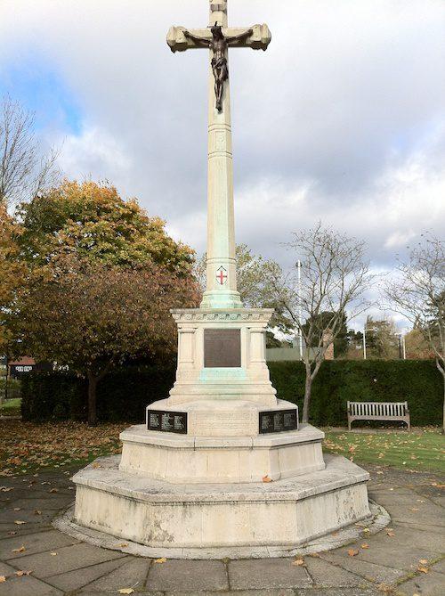 War Memorial at Ruislip – © LoveToEatAndTravel.com