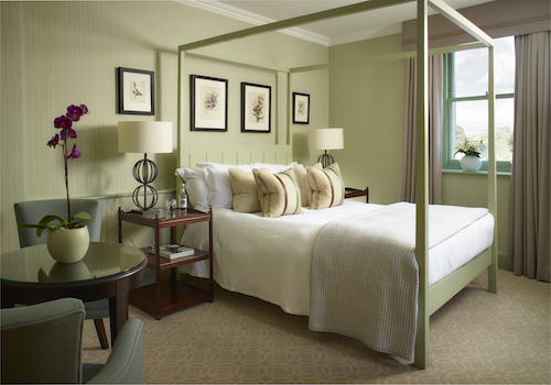 Photo of an elegant Deluxe Room © The Royal Crescent Hotel & Spa