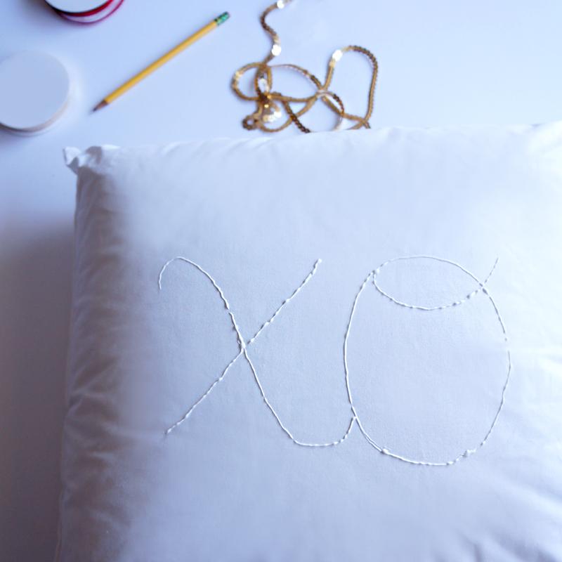 DIY Sequin Pillow at LuLus.com!