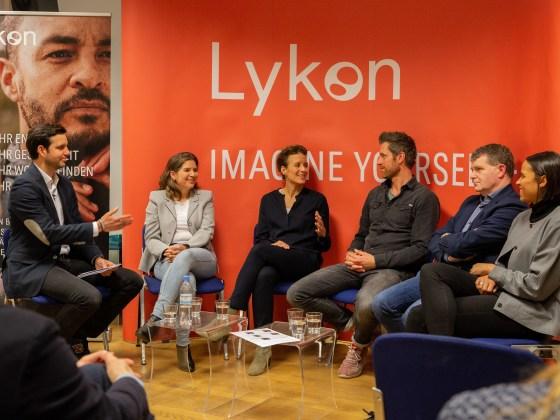 Auf dem Bild sieht man die 5 eilnehmer des Expertengesprächs.