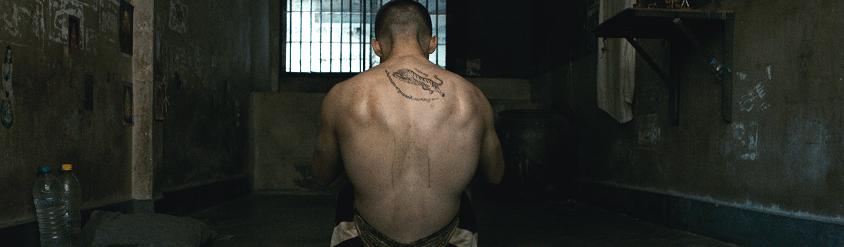 Une prière avant l'aube – Un film qui cogne, un film douloureux ?