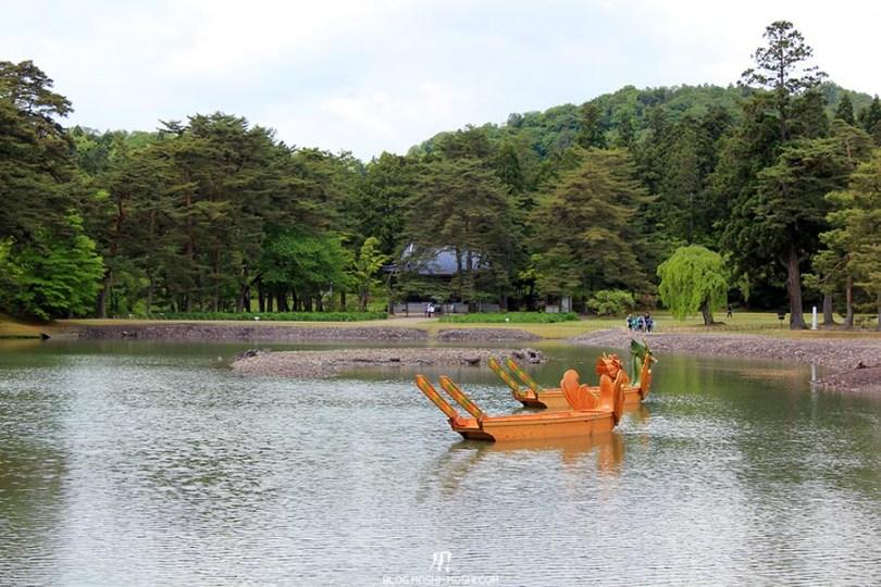hiraizumi-patrimoine-unesco-motsu-ji-barques-dragons-cote