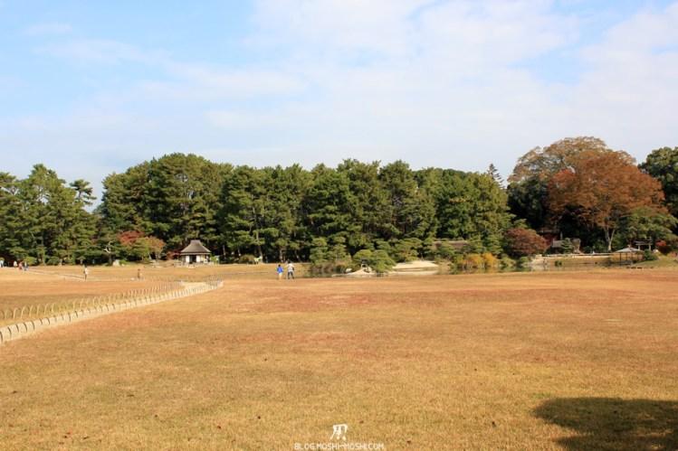 Okayama-jardin-koraku-en-saison-momiji-vaste-etendue