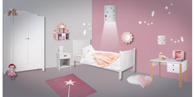 Déco chambre enfant fée princesse.
