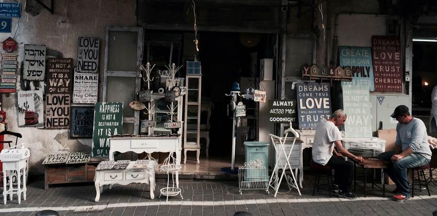 loja de moveis vintage e antiguidades