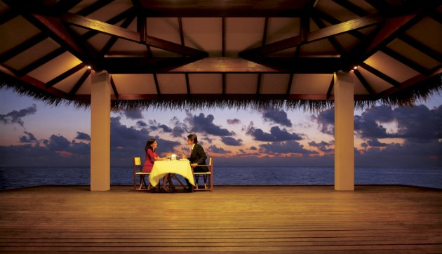 Dinner_By_the_sea_by_sharadhaksar