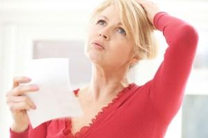femme en période de ménopause avec des bouffées de chaleur voulant perdre du poids