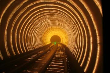 bund_tunnel04.jpg