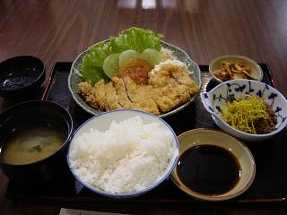 定食にはキムチが付きもの!?バンコクの日本食レストランはなぜ・・・?