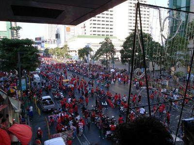 Red Shirts タクシン元首相派デモ現場