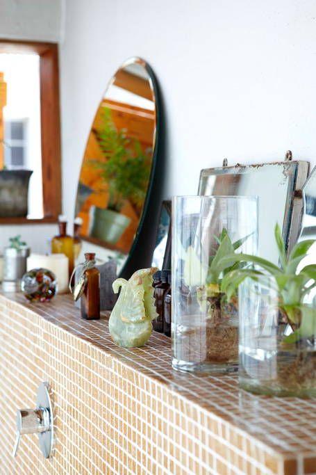 Idée déco pour mettre des plantes dans une salle de bain.