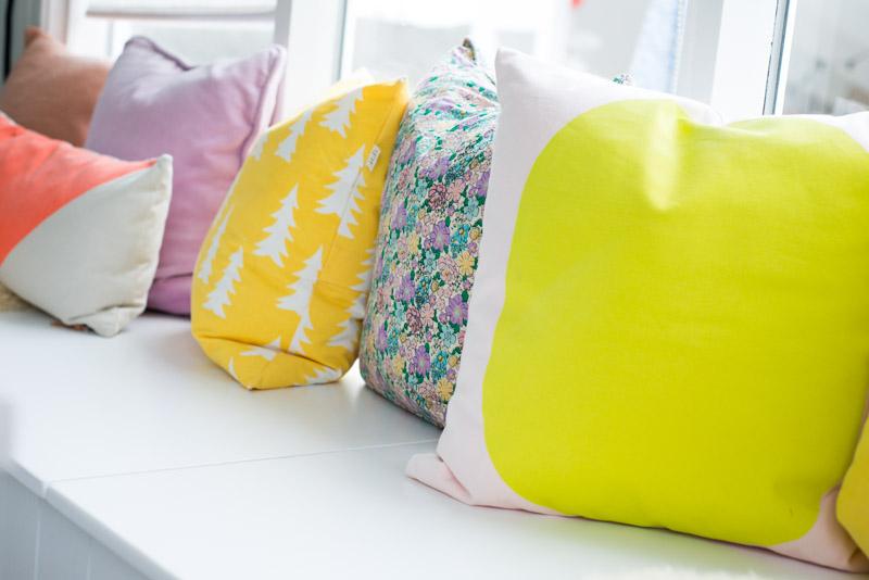 Découvrez quelques conseils tout simples pour la décoration de votre salon en été