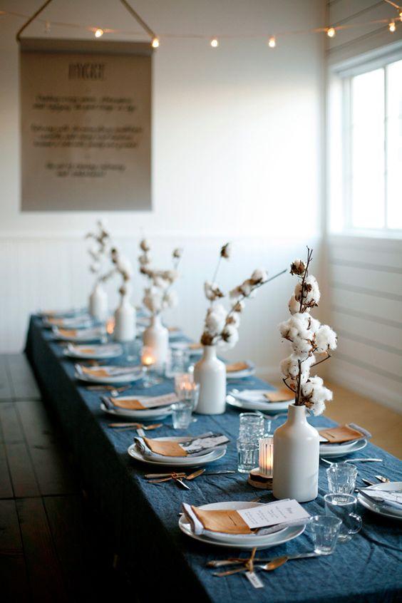 Une déco de table de Noel naturelle et originale avec des fleurs de coton
