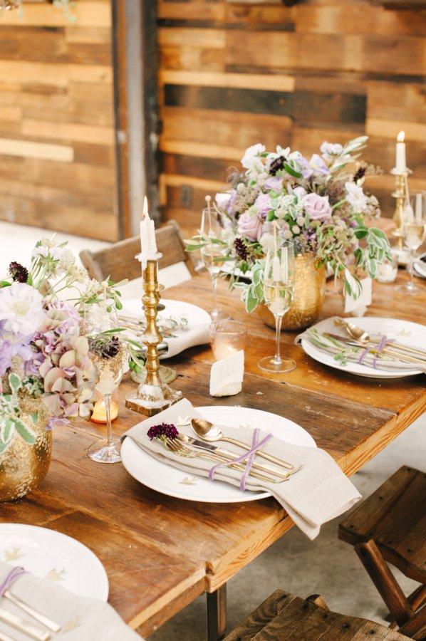 Une décoration de table romantique et naturelle