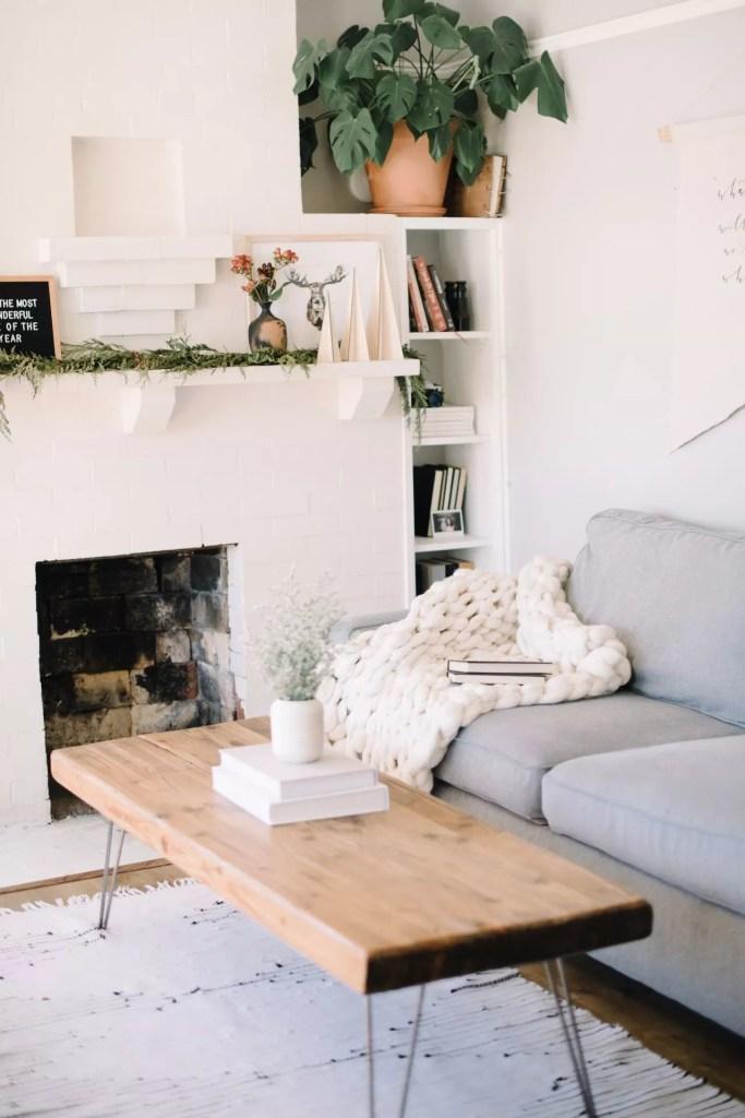 Un salon scandinave cocooning et confortable