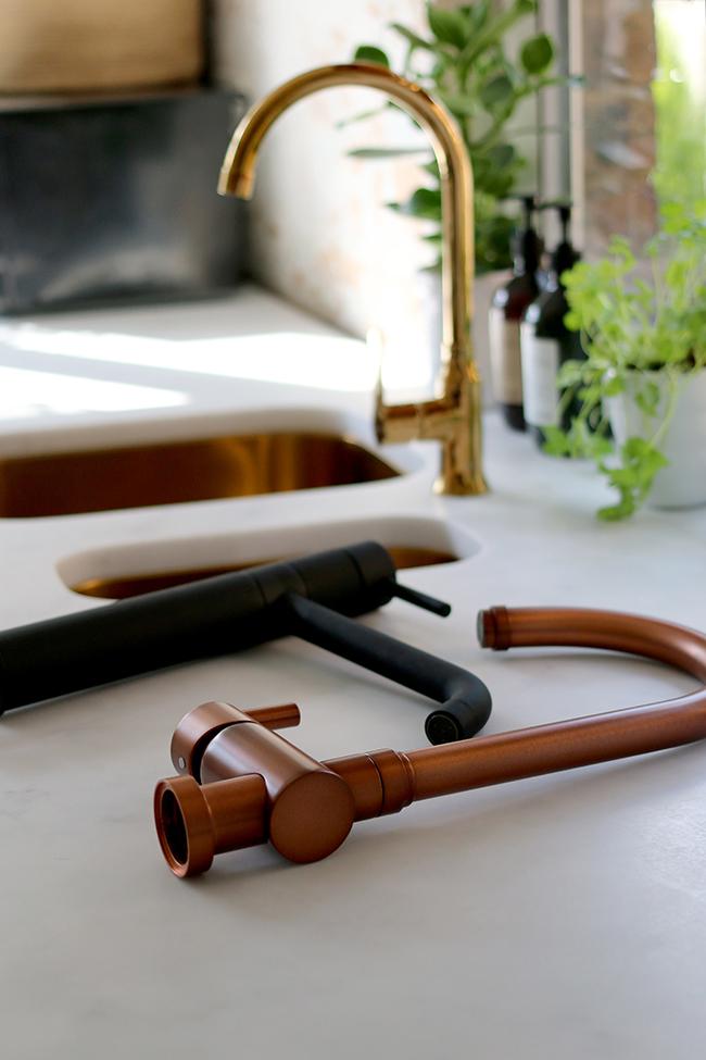olif-black-copper-gold-tap