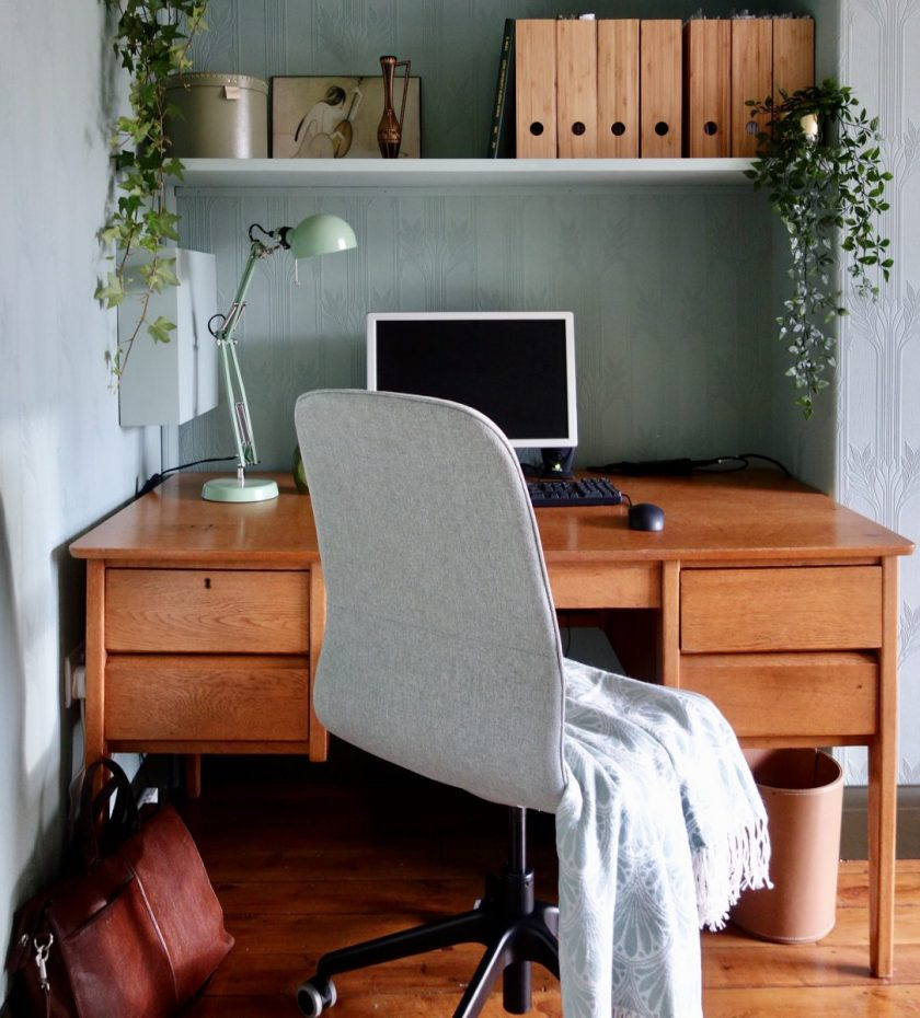 Red Desk Chair Ikea Diy Stand Up Desk