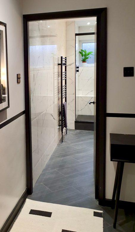 70's apartment bathroom
