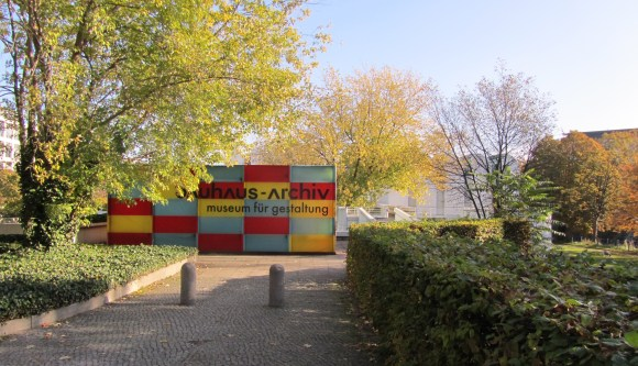 Approaching the Bauhaus-Archiv, Berlin. Photo by the author.