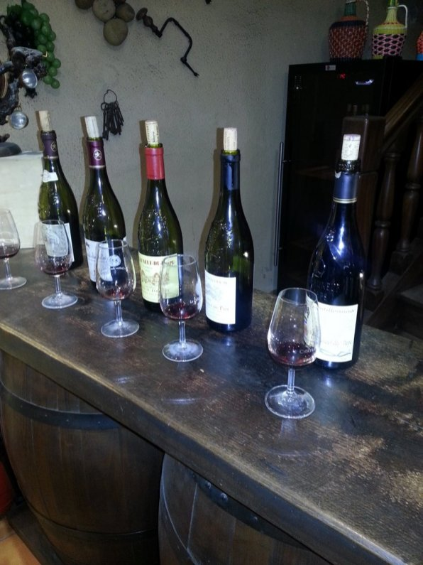 Avignon en famille - Châteauneuf du Pape - dégustation de vins