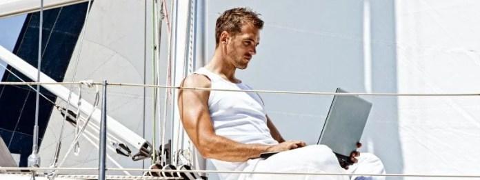 travailler sur un voilier