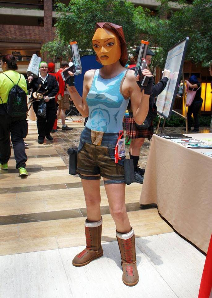 Cosplay-old-school-tomb-raider-lara-croft-pixel-playstation-anime-online-manga-tv-streaming-legal-gratuit