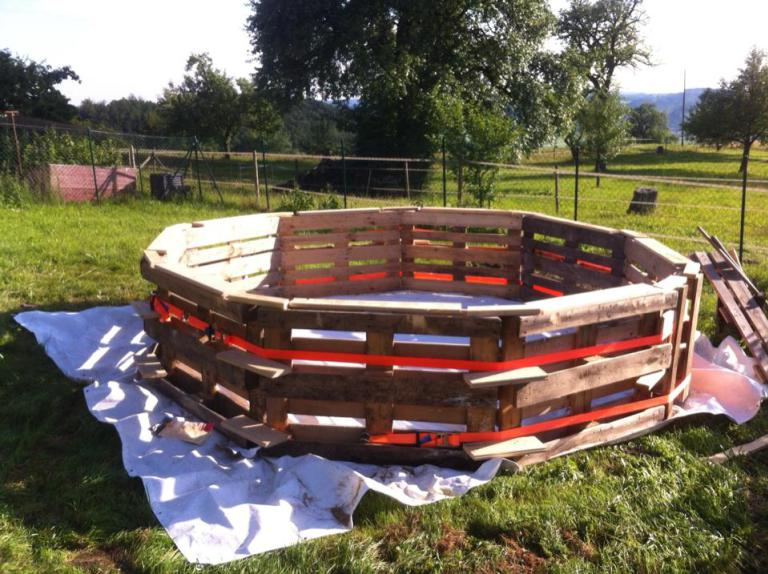 How To Build A DIY Swimming Pool For Less Than £100