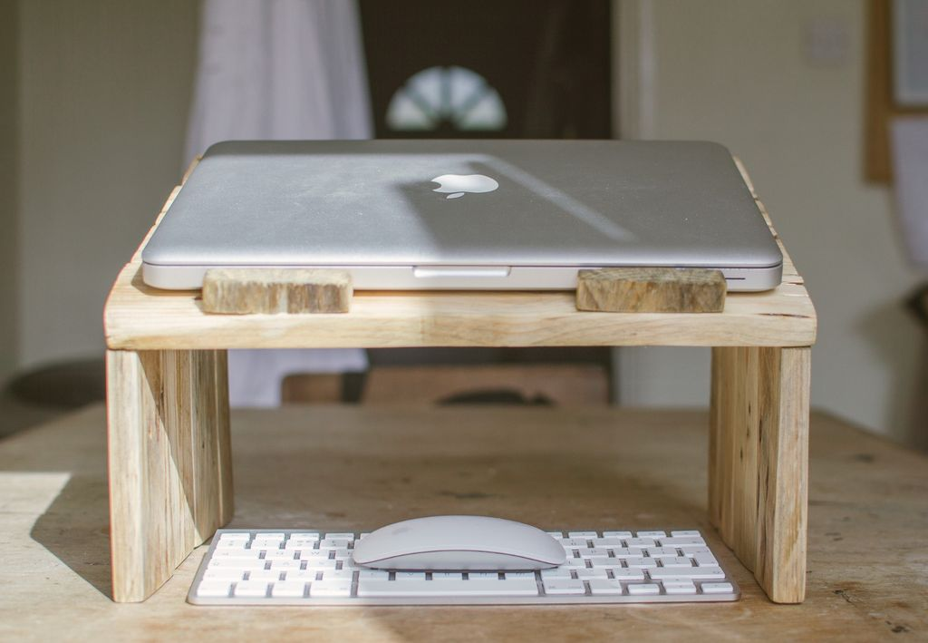 How To Make A Pallet Wood Laptop Stand The Handy Mano