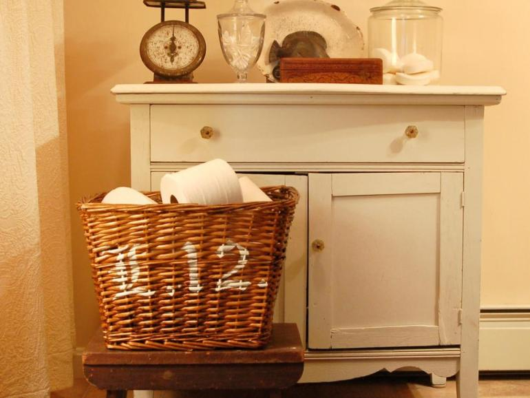 one pot paint projects DIY project the handy mano manomano stencil painted basket