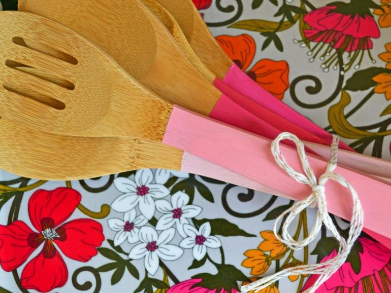 one pot paint projects DIY project the handy mano manomano painted kitchen utensils