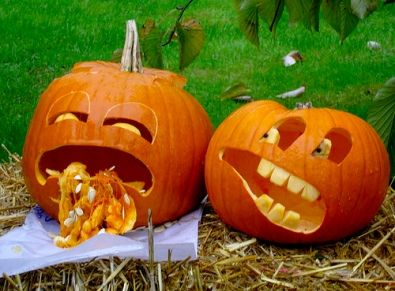 manomano mano mano the handy diy do it yourself 6 Easy Homemade Halloween Decorations easy projects kids pumpkin sick throwing up seeds