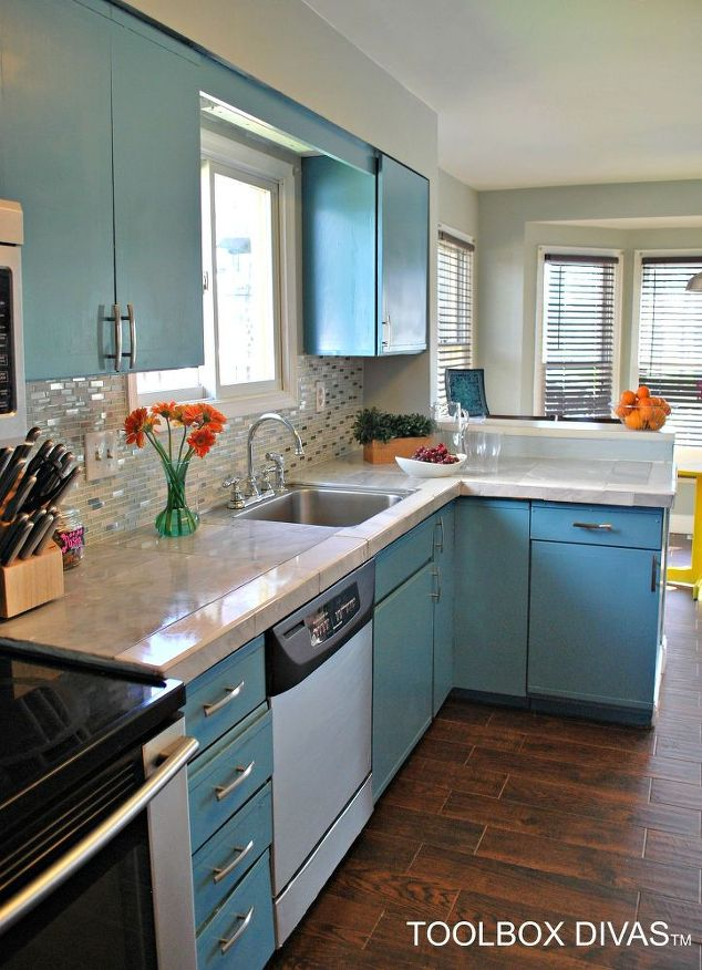7 Ways To Redo Your Countertops Without Replacing Them the handy mano manomano mano diy do it yourself projects home improvement kitchen makeover transformation counter top tiles