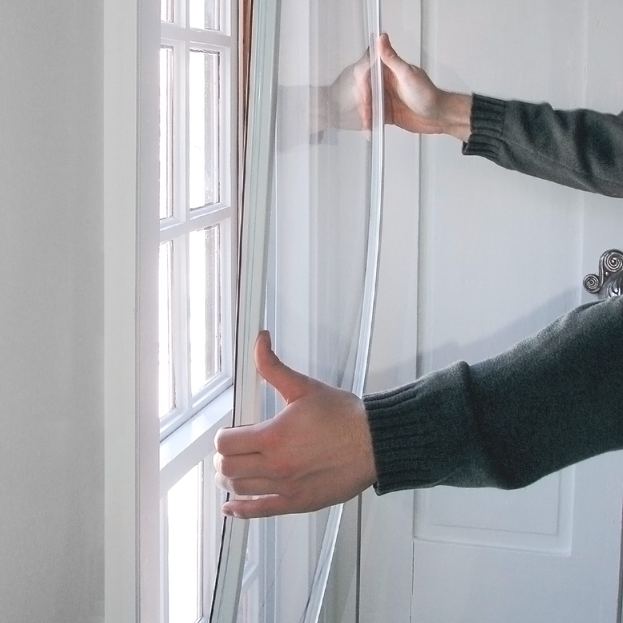 10 Simple Tricks to Keep your House Warm in Winter DIY do it yourself manomano the handy mano mano energy efficient heating storm windows layer cheap