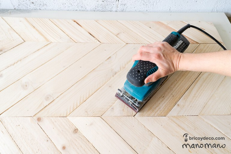 DIY Pallet Table the handy mano mano tutorial orbital sander