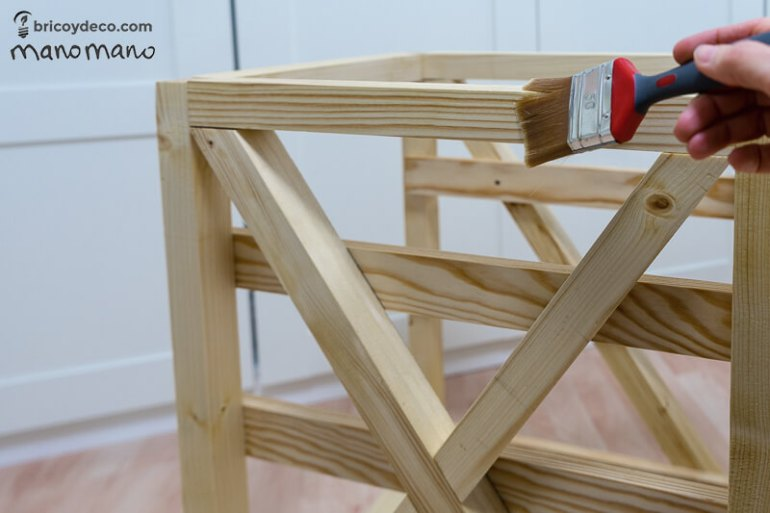 thehandymano mano mano tutorial diy how to make pallet trolley paint with linseed oil