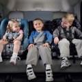 bambini in macchina