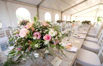 Matrimonio, decorazioni e fiori per i tavoli