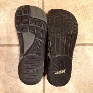 Comparing the soles of the Altra Instinct 2.0 and 1.5