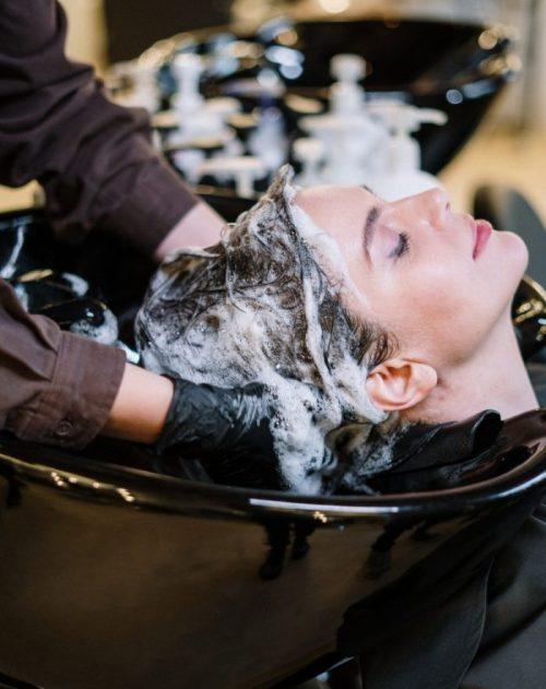 Cara-Merawat-Rambut-Berhijab-dengan-Memilih-Shampo-yang-Tepat