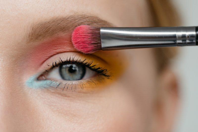 Tips-Makeup-Mata-untuk-Ngabuburit