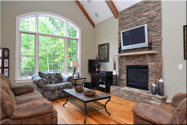 living-room-fireplace-river