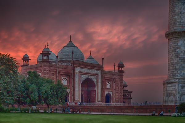 Taj Mahal Mosque at Sunset