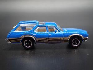 Matchbox MB777 : 1971 Oldsmobile Vista Cruiser