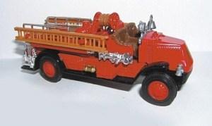 Matchbox Models of Yesteryear : YFE01 : 1920 Mack AC Fire Engine (Issue 09)