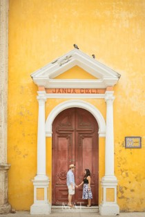 Couple Pictures wedding proposal save the date cartagena