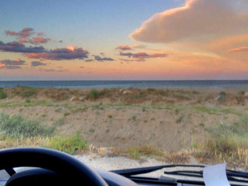 Näkymät auton ikkunasta Leucate Plagella.