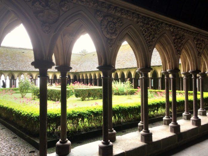 Luostarin sisäpihaa.