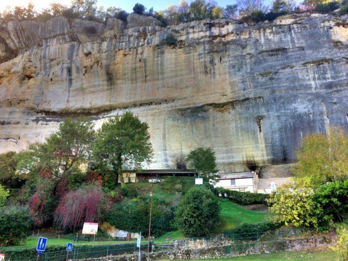 La Grotte du Grand Rocin tippukiviluola.